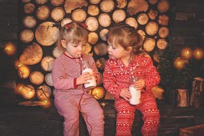 Mleko z miodem dla dziecka – czy to dobry sposób na przeziębienie?